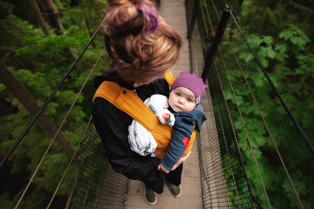 Choosing Your Baby Carrier Wrap: What to Know